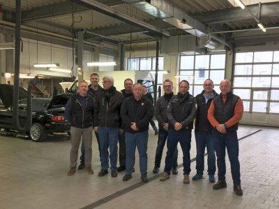 Praktische Gesellenprüfung zum ersten Mal im Autohaus